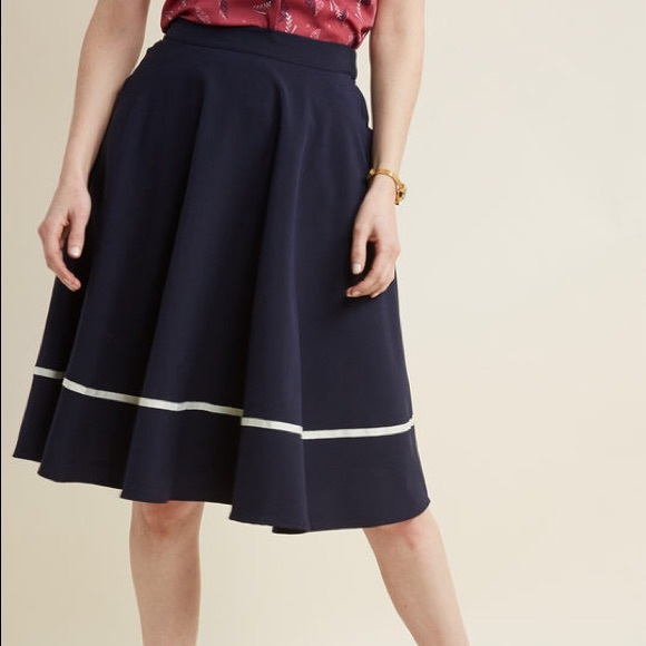 Modcloth Dresses & Skirts - Just this Sway A-line skirt in navy